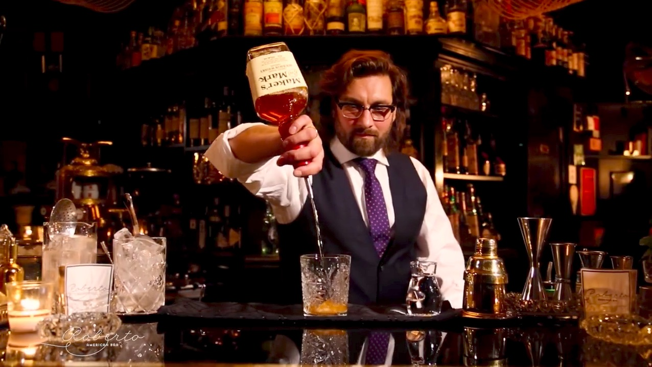 Roberto Pavlović-Hariwijadi shows how to make an Old Fashioned Cocktail with Maker's Mark Whiskey